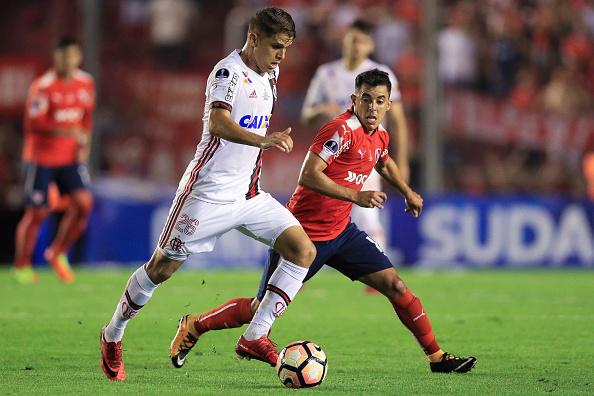 Flamengo saiu atrás na disputa pelo troféu da Sul-Americana (Foto: Buda Mendes/Getty Images)