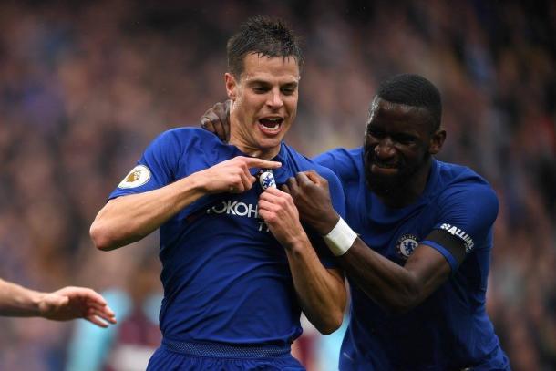 Accostato al Napoli, Conte fuori dalla Champions. Il Chelsea sconfitto da Benitez