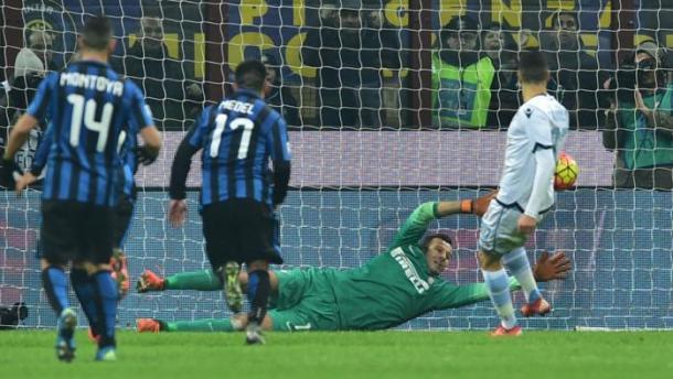 Il rigore di Candreva, parato da Handanovic all'andata. Sulla respinta era arrivato comunque il gol. Fonte: AFP.