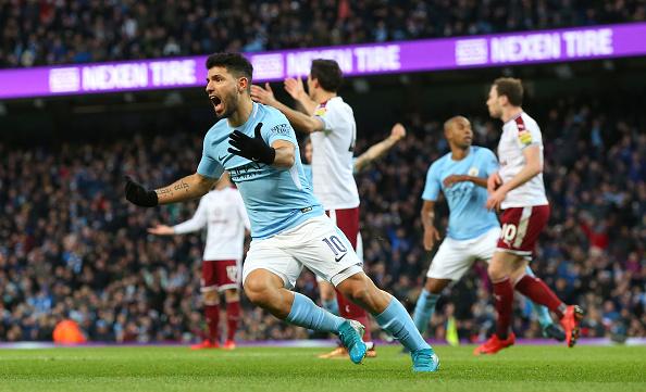 Agüero: dois gols em dois minutos (Foto: Alex Livesey/Getty Images)