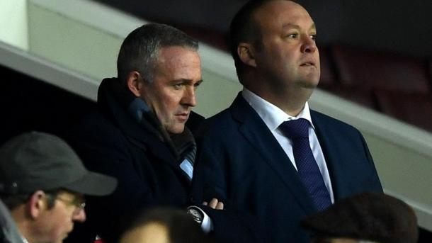 Lambert estuvo presente en Old Trafford para observar a sus nuevos dirigidos | Foto: Premier League.