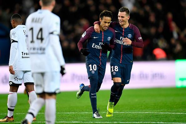 Pela primeira vez na carreira Neymar marcou quatro gols em um único jogo (Foto: Christophe Simon/AFP)
