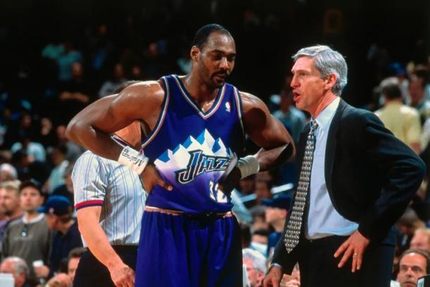 Sloan junto a Malone en un partido. Fuente: Utah Jazz