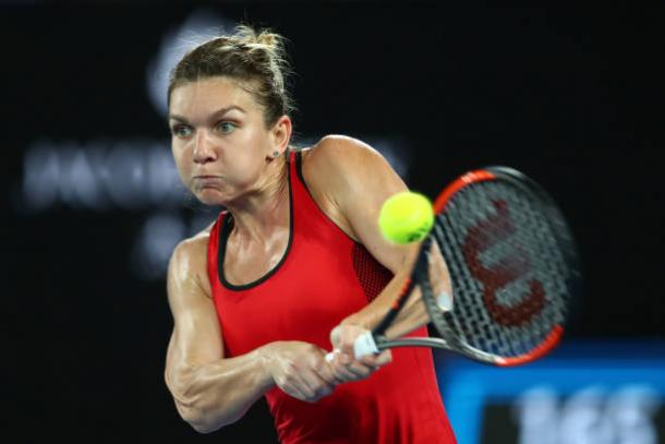 Simona Halep in action during her third Major final | Photo: Clive Brunskill/Getty Images AsiaPac
