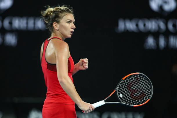 Simona Halep's fighting spirit was evidently shown throughout the match | Photo: Clive Brunskill/Getty Images AsiaPac