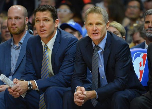 Golden State Warriors assistant coach Luke Walton sits with head coach Steve Kerr during game against the Los Angeles Clippers. | Jayne Kamin-Oncea-USA TODAY Sports