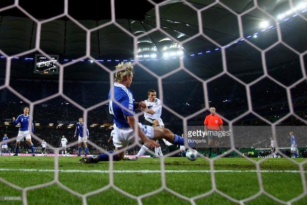 Podolski a segno nel pareggio per 1-1 nel 2009 | Foto: getty images