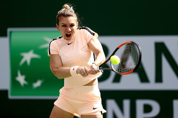 Simona Halep was extremely reliable at the baseline today, firing winners from everywhere | Photo: Matthew Stockman/Getty Images North America