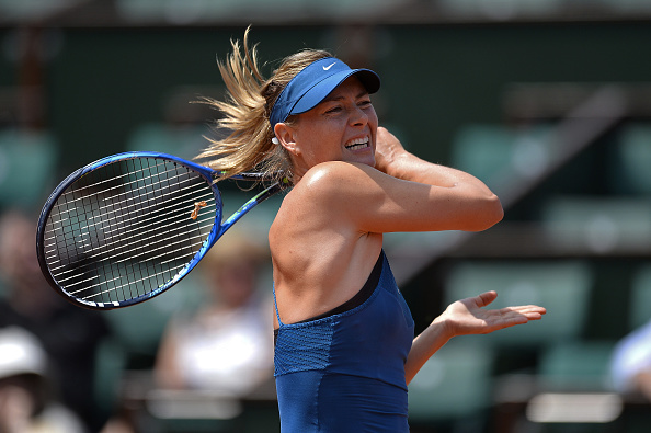 Maria Sharapova stormed to take the opening set 6-2 after just 29 minutes of play | Photo: Aurelien Meunier/Getty Images Europe