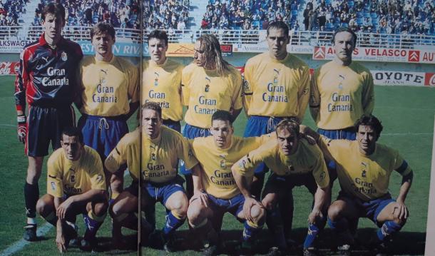 Plantilla de la UD Las Palmas en la temporada 1999/00 | Fotografía: UD Las Palmas