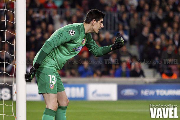 Courtois, portero, vestido con la camiseta del Atlético de Madrid. / Fuente: Vavel España