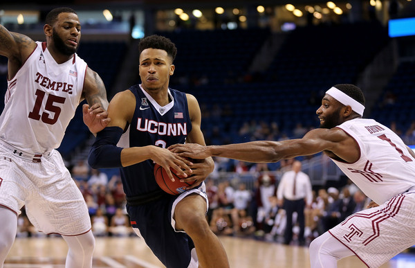 Bond and the Owls just couldn't stop the surging Huskies (Photo: Mike Ehrmann/Getty Images).