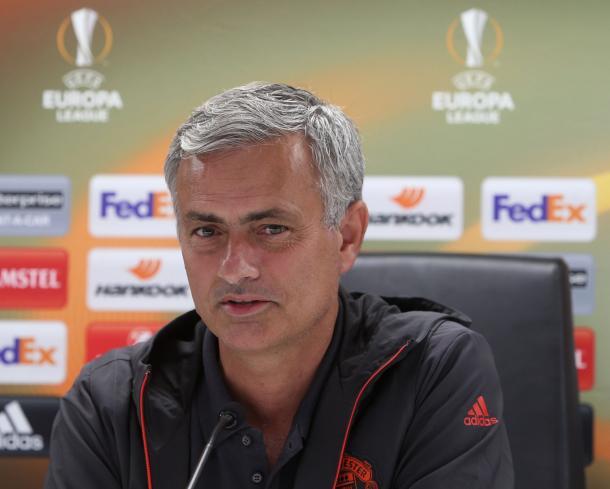 Mourinho en rueda de prensa. Foto:UEFA.