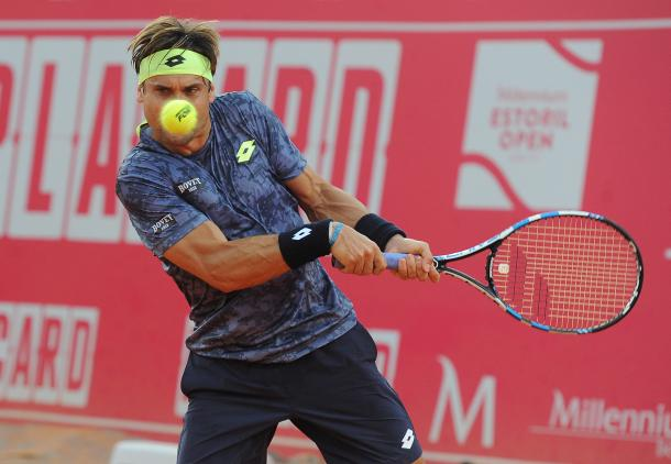 David Ferrer hitting a backhand in his match this Thursday. (Photo by Millennium Estoril Open)