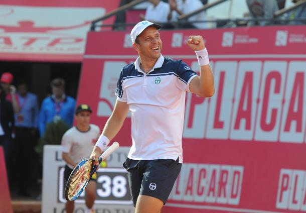 Gilles Muller celebrating his victory. (Photo by Millennium Estoril Open)