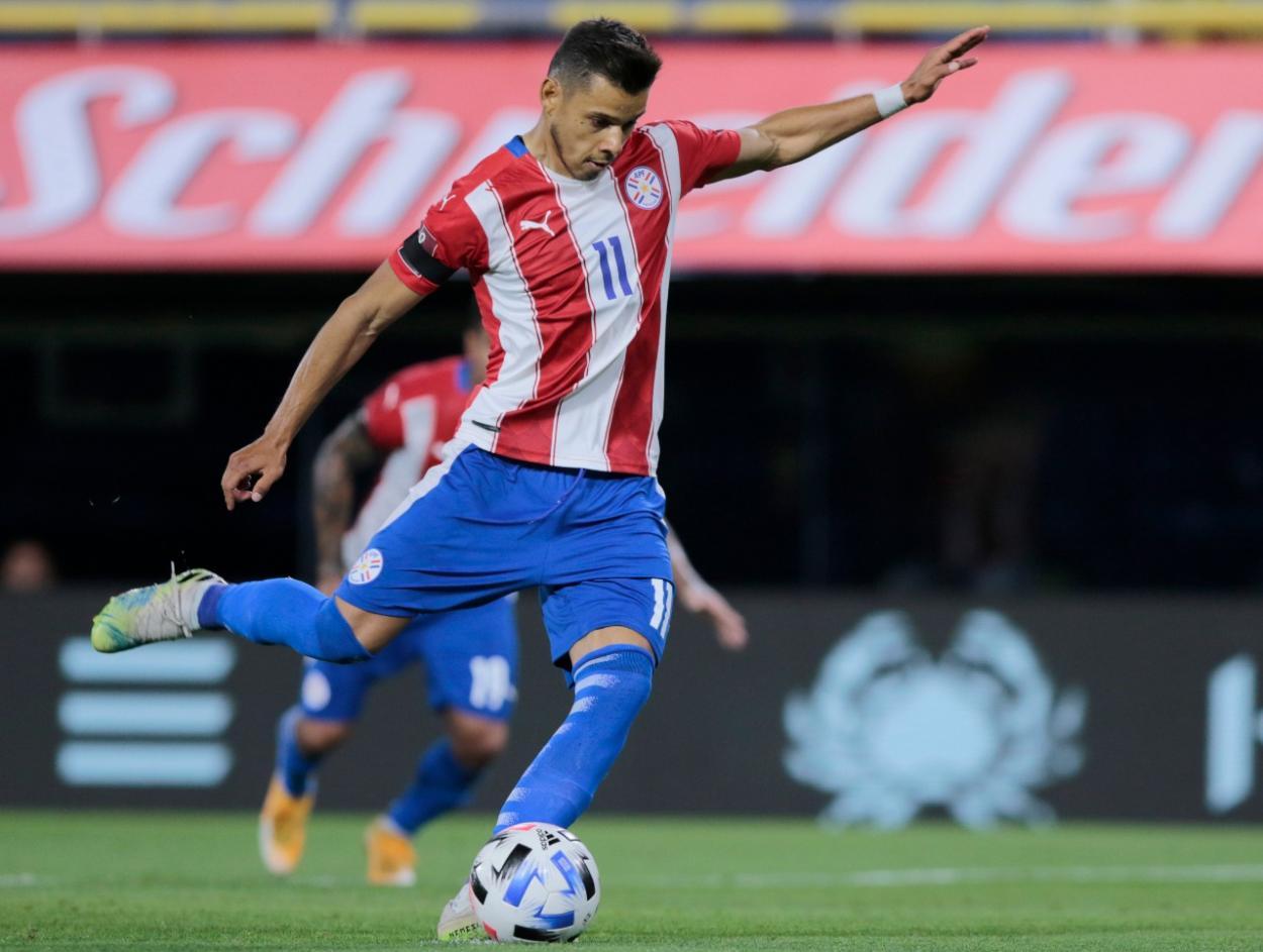 El delantero de San Lorenzo de Almagro puso en ventaja a la albirroja. Foto: Twitter Selección Paraguaya