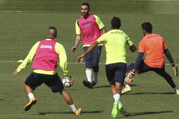 Chico Flores en el entrenamiento del Granada | Foto: Antonio L. Juárez