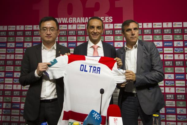 John Jiang, José Luis Oltra y Manolo Salvador | Foto: Antonio L. Juárez