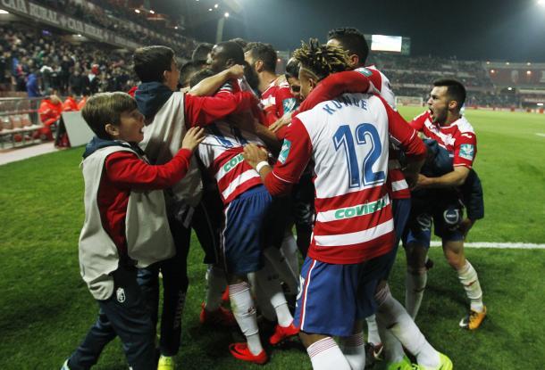 Celebración del gol de Pedro sobre la bocina. Foto: Antonio L Juárez