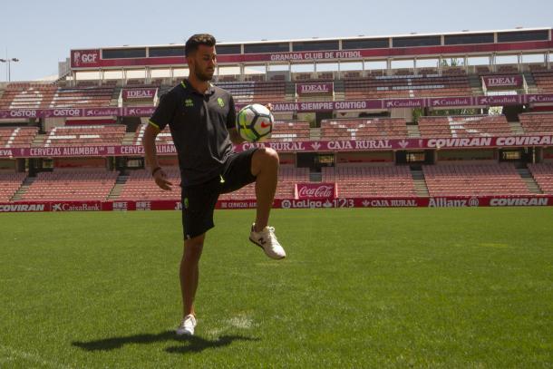Fede Vico en su presentación con el Granada CF | Foto: Antonio L. Juárez