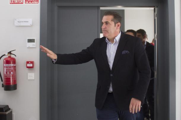 Sandoval en su despedida del Granada   Foto: Antonio L. Júárez