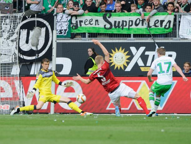 The second goal deflects in off Baumgartl. | Image source: kicker - picture alliance