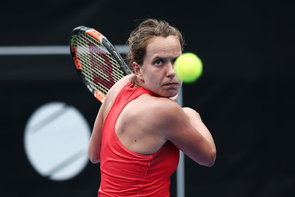 Strycova hitting a backhand | Photo: Anthony Au-Yeung/Getty Images AsiaPac