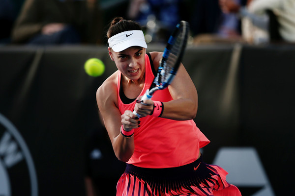 Konjuh hits a backhand during the match | Photo: Anthony Au-Yeung/Getty Images AsiaPac