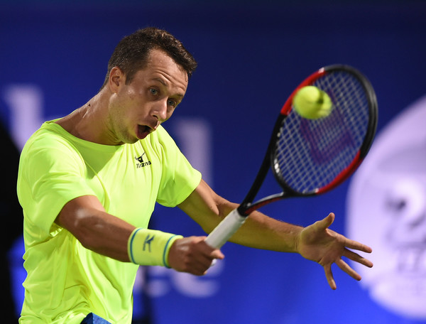 Kohlschreiber hits a backhand (Photo by Tom Dulat/Getty Images)