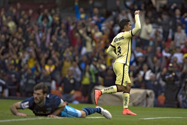 Andres Andrade celebrates after scoring Club America's third and final goal of the match / Club America Twitter - @ClubAmerica