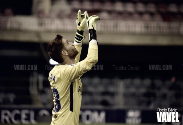 Imagen de archivo. Adrià Ortolá salvó a su equipo de recibir gol en la primera mitad | Foto: Noelia Déniz, VAVEL