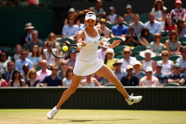 Agnieszka Radwanska hits a forehand | Photo: Clive Brunskill/Getty Images Europe
