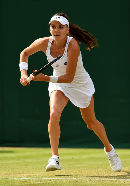 Agnieszka Radwanska runs to retrieve a drop shot | Photo: Shaun Botterill/Getty Images Europe