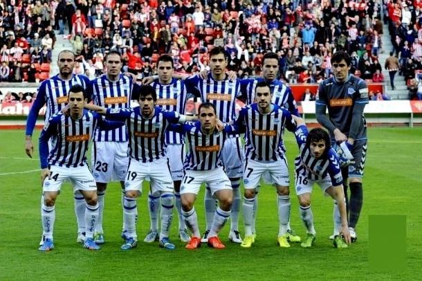 Una de las alineaciones del Deportivo Alavés en los inicios de la década. Fuente: deportivo alavés