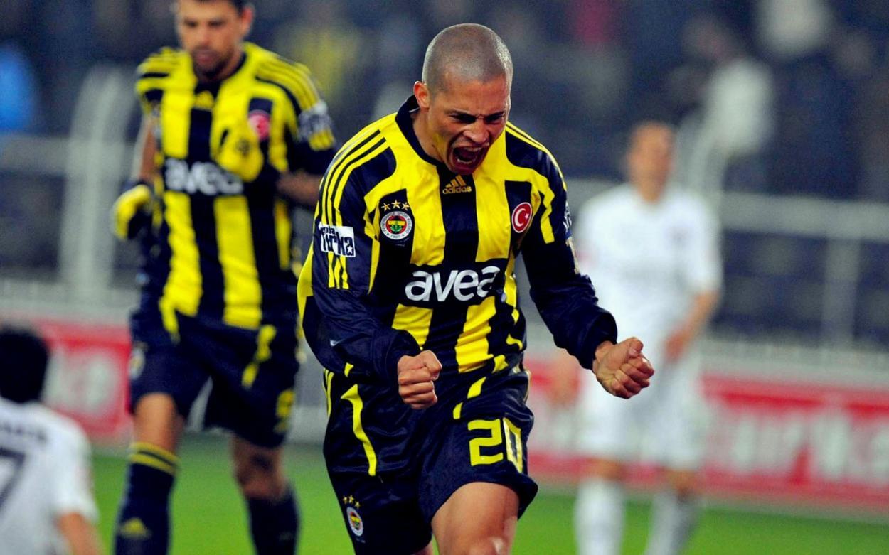 El carácter ganador de Alex de Souza enamoró a los fans del Fenerbahçe | Foto: Onediyo