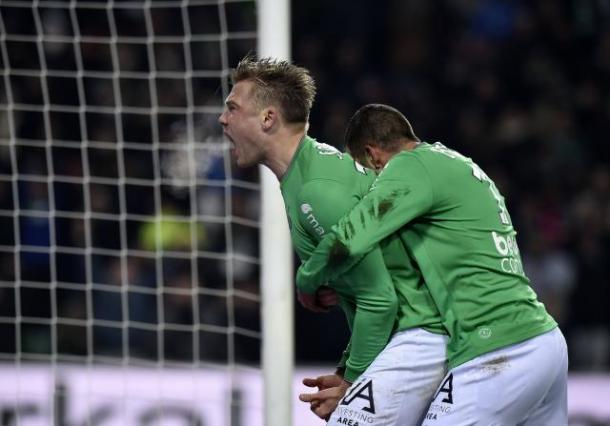 Soderlund celebrates his first goal in a Saint-Etienne shirt. (Source: Ouest France)
