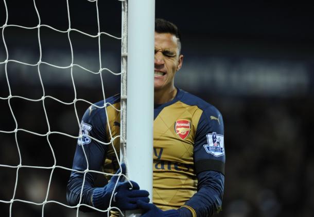 Alexis se lamenta en el partido ante el West Bromwich Albion | Fotografía: Arsenal