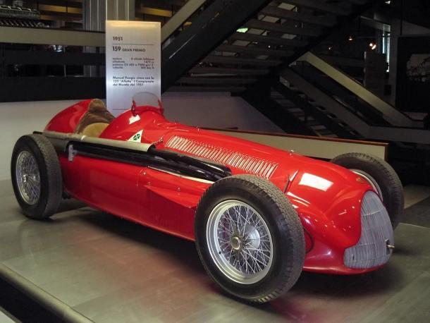 O carro de Fórmula 1 Alfa Romeo 159, guiado por Fangio em 1951