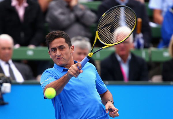 Nicolas Almagro hits a forehand. Photo: Robert Prezioso/Getty Images