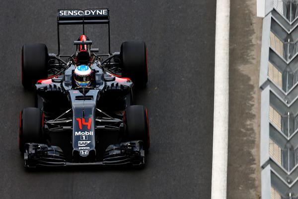 Fernando Alonso está em seu terceiro ano pela McLaren, segundo de parceria com a Honda (Foto: Charles Coates/Getty Images)