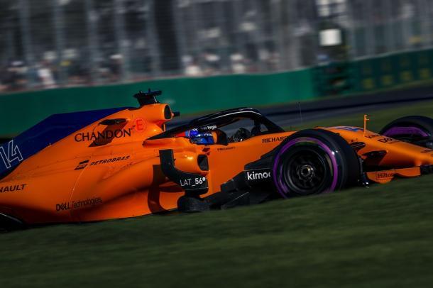 Alonso chegou ao Q2 e larga na 11ª posição, ao lado do companheiro Vandoorne (Foto: Divulgação/McLaren F1)