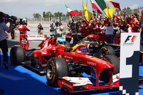 Apenas Fernando Alonso venceu duas vezes nas últimas 10 edições do GP da Espanha - uma delas foi em 2013 (Foto: Rainer Schlegelmilch/Getty Images)
