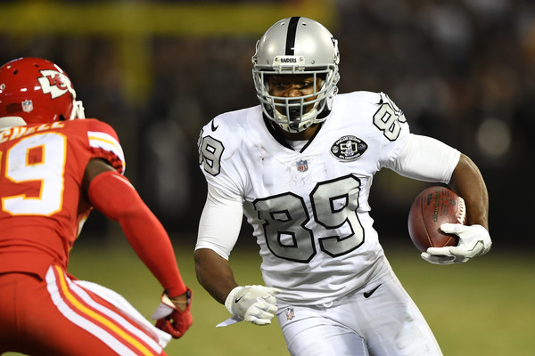 Amari Cooper #89 of the Oakland Raiders runs after a catch against the Kansas City Chiefs. |Source: Thearon W. Henderson/Getty Images North America|