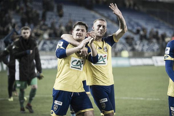 Los jugadores del Sochaux felices festejan la clasificación ante el Amiens SC. Foto: Sochaux