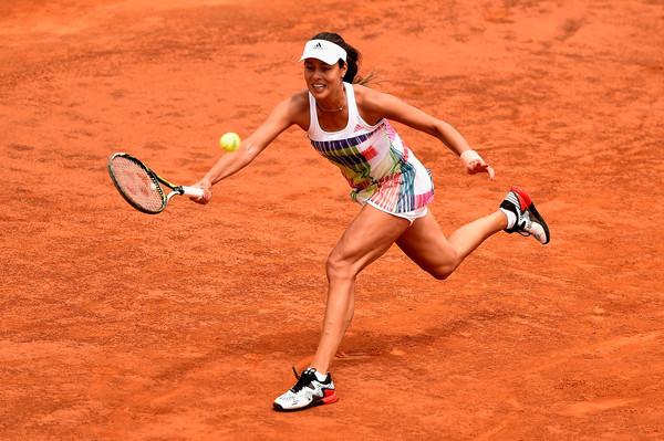 Ana Ivanovic hitting a forehand at the Internazionali BNL d'Italia.| Photo: Dennis Grombkowski/Getty Images