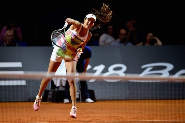 Ana Ivanovic hitting a serve against Pliskova | Photo: Dennis Grombkowski/Getty Images