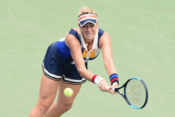 Anastasia Pavlyuchenkova in action at the Toray Pan Pacific Open, where she defeated Wang Qiang in her path to the final | Photo: Matt Roberts/Getty Images AsiaPac