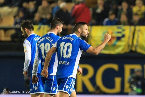 Florin Andone celebrando el gol del empate en el Estadi de la Cerámica. Fuente: RC Deportivo de La Coruña.