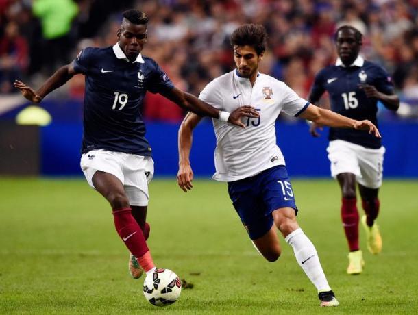 Andrè Gomes in azione con Pogba, iamnaples.it