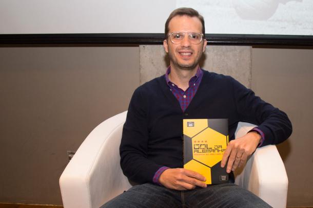 André Kfouri é o editor da Editora Grande Área (Foto: Melissa Fotografia/Grande Área)